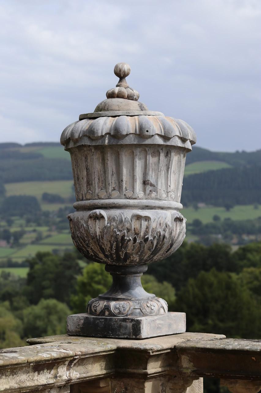 Powis Castle - Statue