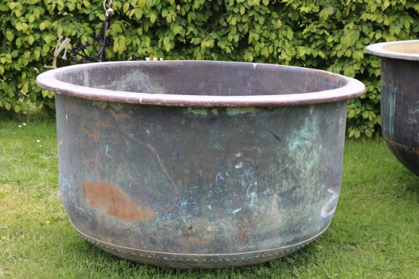 Large Round Riveted Copper Vat (Stk No.3817) - Photo 1