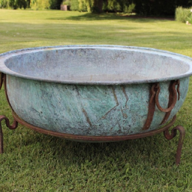 Wide Copper Bowl on Iron Stand (Stk No.3646)